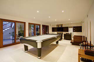Qualified pool table installers in Peoria